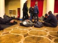 100 свободовцев вышли из здания КГГА. Остальные митингующие спят в колонном зале