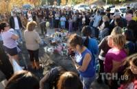 Сотни фанатов фильма «Форсаж» пришли на место гибели Пола Уокера