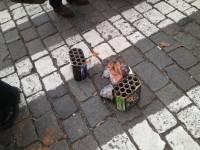 Шпана, забросавшая участников харьковского митинга фейерверками, получила по заслугам