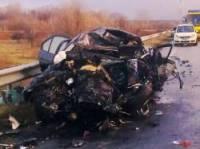 На Черниговщине в лобовом столкновении BMW с грузовиком погибли два иностранца