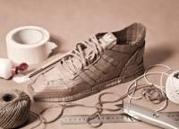 Британский дизайнер доказал, что кроссовки Adidas могут быть и из картона