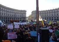 Жители Рима вышли на митинг в поддержку киевского Майдана. Даже денег передали
