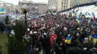 Ситуация накаляется. Колонна с Евромайдана встретилась со сторонниками регионалов