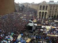 И кому верить? Оппозиция насчитала в центре Киева миллион человек, а МВД уверяет, что столько там просто не поместилось бы