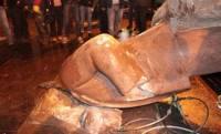 Сносом памятника Ленину занялись в МВД. Еще никто не задержан, но уголовное производство уже открыто