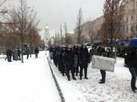 Арсенальная площадь в Киеве перекрыта военными автобусами