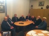 А поговорить?..  Кравчук, Кучма, Ющенко и еще пара стариков посидели, обсудили и даже кого-то к чему-то призвали