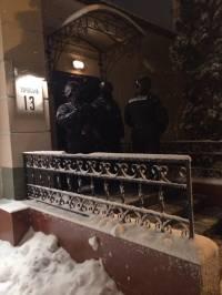 Фото вооруженных людей, которые сегодня захватили офис «Батькивщины»