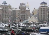 На Майдан продолжают прибывать люди. Пока все тихо