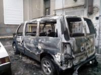 В Харькове сожгли микроавтобус участников Евромайдана