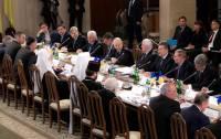 Итог круглого стола: власть боится журналистов, Евромайдан — очередного штурма, а лидеры оппозиции — арестов. Хроника Евромайдана (13 декабря 2013)