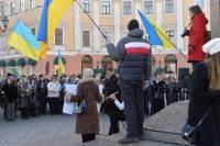 «В Одессе есть тоже много нормальных людей». Одесситы также вышли на Евромайдан