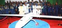 Нигерия представила собственный разведывательный беспилотник. Демонстрировал новинку сам президент
