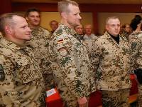В немецкой армии можно быть геем, но нельзя носить длинные волосы