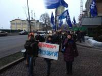 Активисты Евромайдана стали на пути кортежа Януковича. Задолбали вечные пробки...