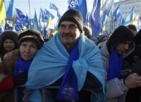 На антимайдане 7 тысяч человек слушают зажигательный бред Калашникова о европейском курсе Януковича