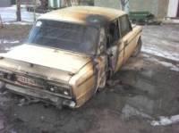 На Черниговщине неизвестные облили «шестерку» бензином и подожгли