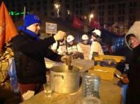 Евромайдан продержался еще одну ночь. Фоторепортаж с места событий