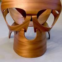 Кресло в виде черепа — странный подарок от дизайнера художникам