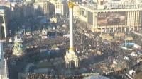 Автолюбители и велосипедисты собираются по Киеву, чтобы ехать в Межигорье. Там их ждут ГАИ, автобусы и КамАЗы