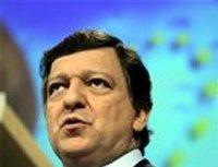 Баррозу: В то время как многие разочарованы Евросоюзом, молодые и не очень люди во время морозных ночей в Киеве, высоко размахивают флагами ЕС