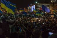 Как Евромайдан к ночному штурму готовился, Азаров из-за 12-летних детей возбуждался, а депутаты присягу принимали. Картина дня (15 января 2014)