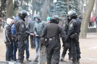 Толпу «титушек» снова согнали мерзнуть в Мариинский парк