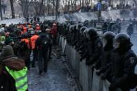 Журналисты на Грушевского массово просили «Беркут» и ВВ не стрелять