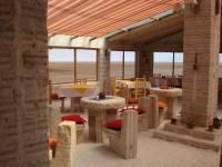 В Боливии построили уникальный соляной отель. Остается надеяться, что туристы не будут облизывать стены