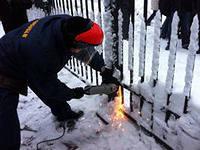 Турчинов поручил демонтировать забор вокруг Верховной Рады