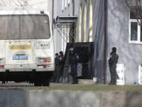 Противостояние в Донецкой ОГА закончено. Из здания вывели около 70 человек. Часть 2
