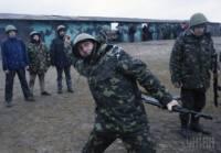 Под Киевом солдатов Нацгвардии активно учат военному ремеслу