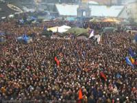 На очередное Народное Вече на Майдане Незалежности собрались около 8 тысяч человек