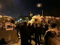 На Грушевского разобрали баррикаду и продолжают класть плитку