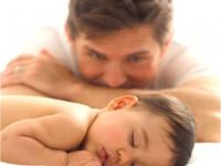 Оказывается, депрессия отца передается ребенку не хуже, чем депрессия матери. Так что - будьте спокойны