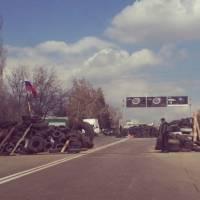 Лукьянченко утверждает, что ему удалось договориться о ликвидации баррикады на севере Донецка