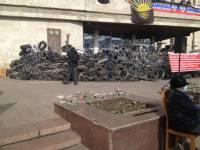 Российские СМИ утверждают, что вместо баррикад у здания ОГА «ополченцы» решили укреплять блокпосты