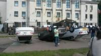 Российское посольство в Киеве закидали зеленкой. Автомобили сотрудников - перевернули