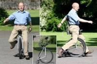 Физик из Шотландии уверяет, что создал транспорт будущего — одноколесный беспедальный велосипед