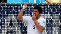 Во время матча на ЧМ-2014 уругвайский нападающий Суарес укусил итальянского защитника