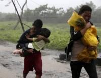 Филиппины отчаянно пытаются справиться с разбушевавшимся тайфуном