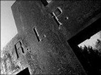 Луценко: В Славянске следователи обнаружили захоронения десятков замученных боевиками ДНР тел местных жителей