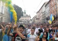 Болельщики «Динамо», «Шахтера» и «Карпат» продемонстрировали, что Украина — едина