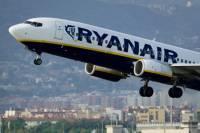 Пьяный на борту – почти террорист. От переизбытка алкоголя поляк перепутал выход из самолета с дверью в туалет