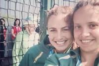 Королева Великобритании превратила селфи двух спортсменок из Австралии в «фотобомбу»