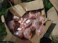 Мирные вооруженные люди посреди Макеевки обнесли торговый дом на 600 килограммов колбасы