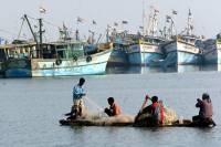 В Бенгальском заливе во время шторам без вести пропали 40 траулеров и 640 рыбаков