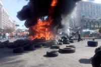 Пожар на Майдане потушен, коммунальщикам удалось освободить от палаток значительную часть улиц