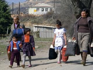 Война диктует свои условия. В Украине уже почти 269 тысяч человек стали беженцами и переселенцами