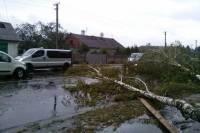 Непогода оставила без света 43 населенных пункта в четырех областях